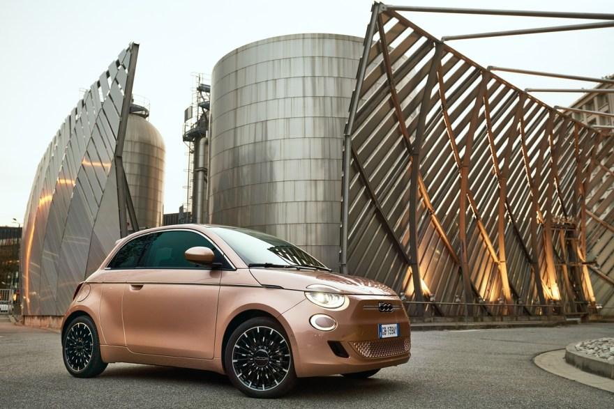 El primer automóvil FCA totalmente eléctrico el nuevo Fiat 500