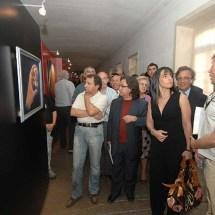 The amazed crowd ;)