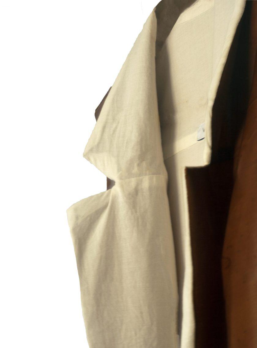 van-m-packshot-ecofriendly-made-in-belgium-trench-detail
