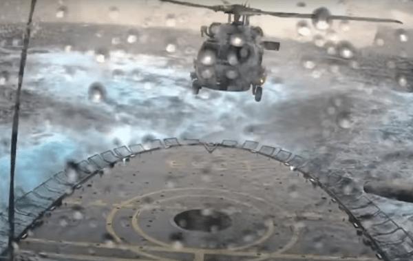 Seahawk landing op zee