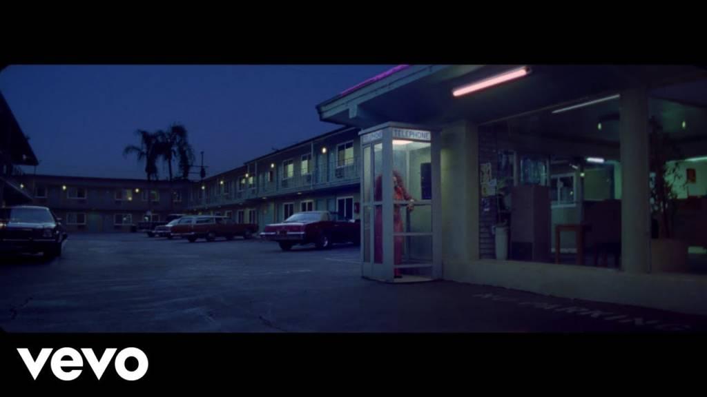 Video: Chaka Khan - Hello Happiness