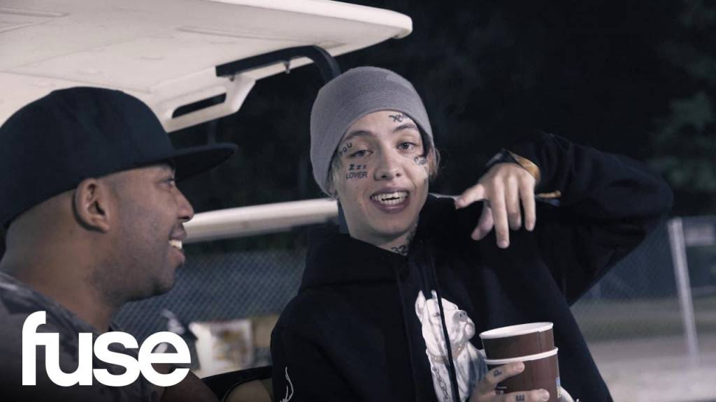 Lil Xan Does Magic Backstage w/Smoothini @ Firefly 2018 (@LilXanFuhYoBih @Smoothini)