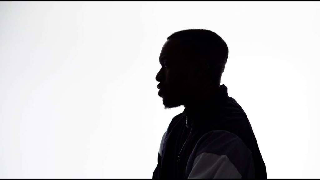 Video: Suli Breaks - In The Land Of The Blind (The One Eyed Man Wears Ray Bans) | @SuliBreaks