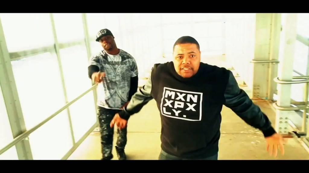 Video: John Jigg$ x M.O.U.F. x Rockwelz - Mxnxpxly Family Freestyle