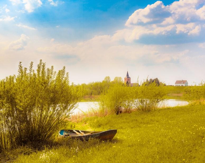 Wiel en bootje bij Hien, Betuwe