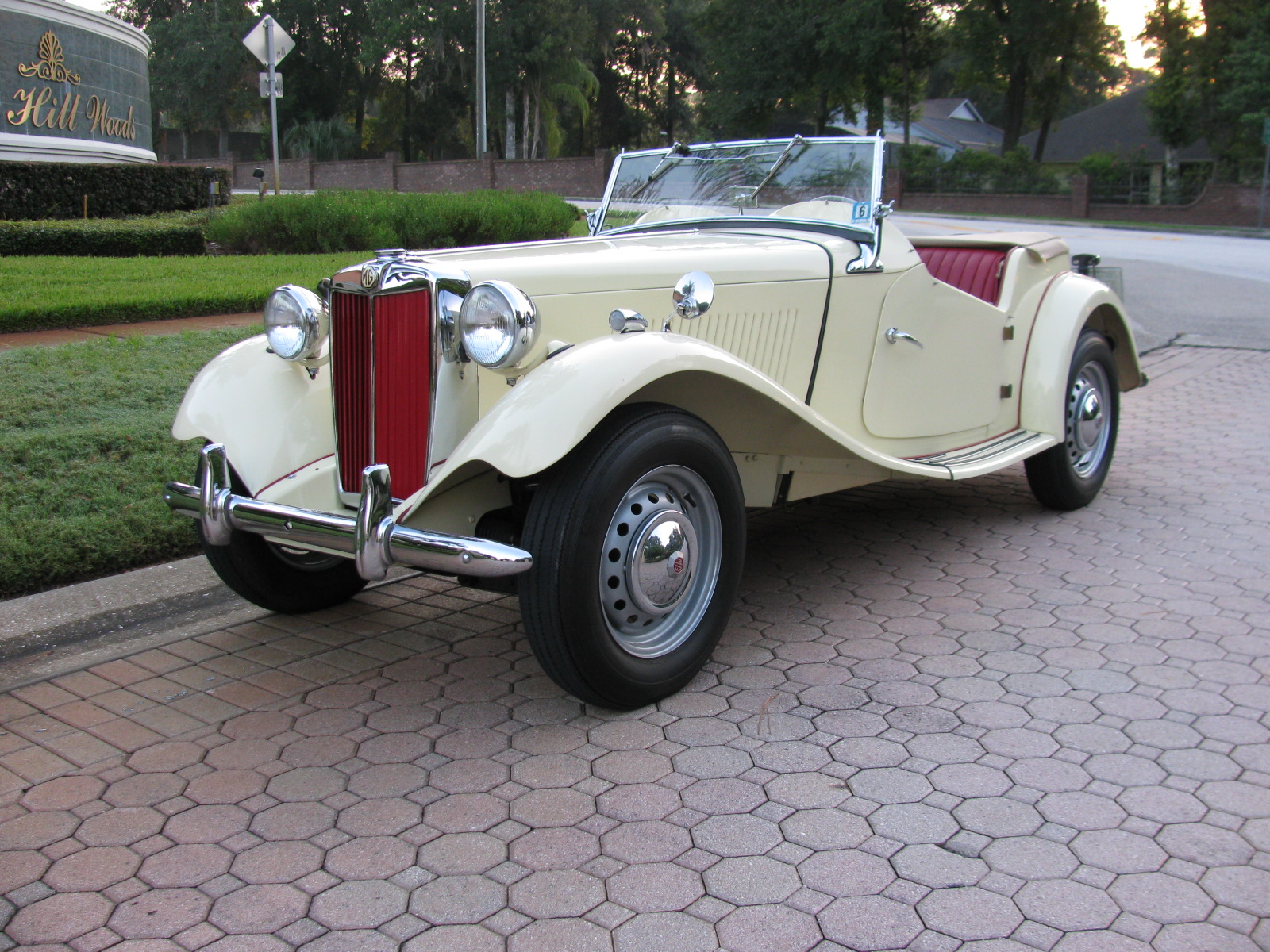 New England Classics - Classic Cars, MG, Austin Healey