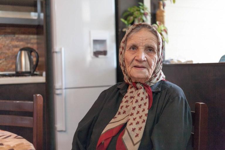 Aliho babička
