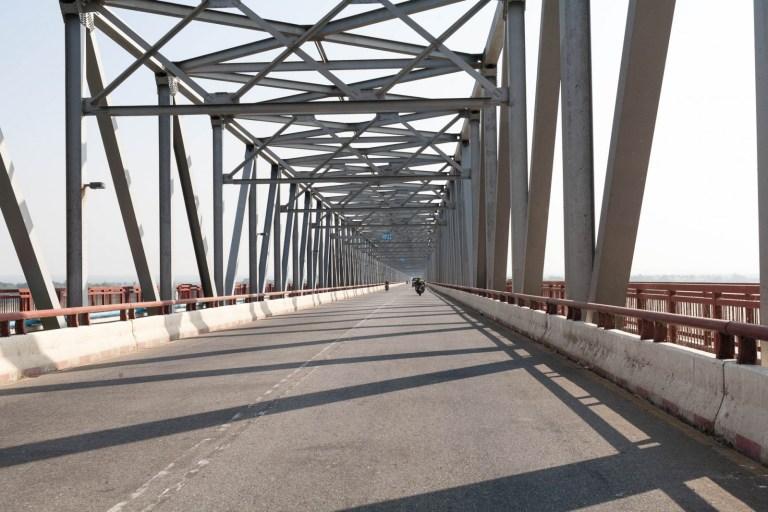 Most přes Iravadi
