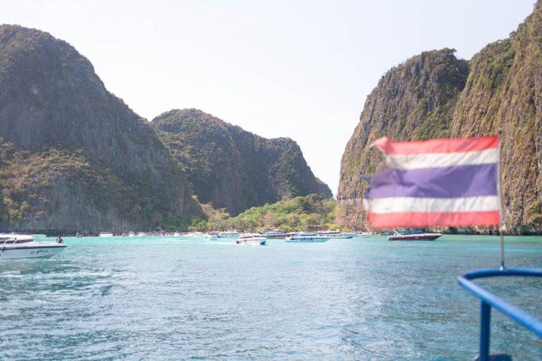 Tak to je ona, slávna Maya pláž utopená v mori turistov.