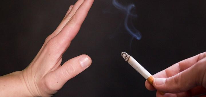 La combinación de asesoramiento y uso de cigarrillos electrónicos es más eficaz para ayudar a los fumadores a dejar de fumar