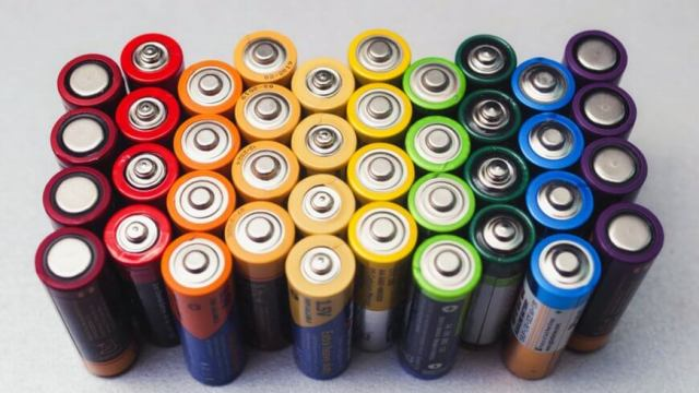 Types and Advantages of Rechargeable Batteries