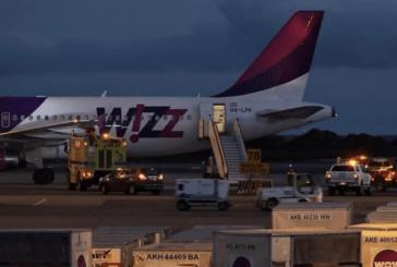 ISLANDA: un aereo atterra urgentemente dopo che una sigaretta elettronica si accende.