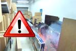 VEREINIGTE STAATEN: Beeindruckende Batterieentgasung in einer Boutique in Anaheim