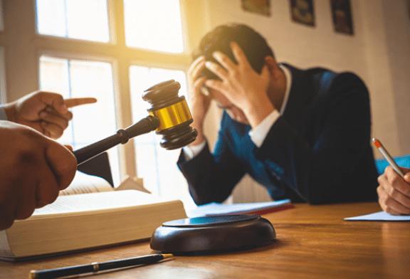 КАНАДА: Приговоренные платить миллиарды, табачные компании ищут защиты!