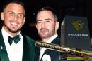 """ЛЮДИ: персонализированные электронные сигареты """"Cannabis"""" для свадьбы Марка Джейкобса"""