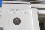 ארצות הברית: שופט משעה את האיסור על חומרי טעם וריח לסיגריות אלקטרוניות במישיגן.