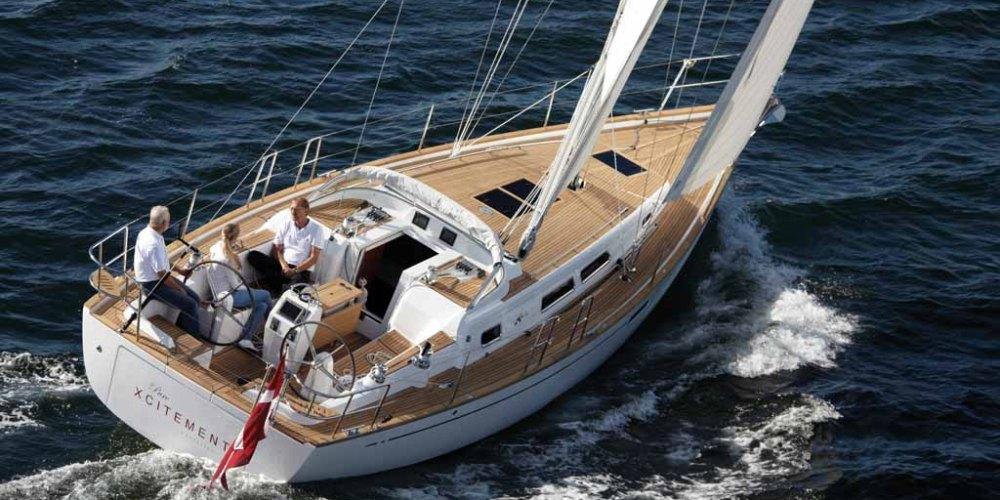 DK, DNK, Dänemark, Danmark, Haderslev, Hadersleben, Kleiner Belt, Ostsee. 22.8.2010  Yacht-Test: X-Yachts Xc-38 Cruiser-Segelyacht mit klassischen Linien,  X-Cruising. Design: X-Yachts Design Group   [ (c) Klaus Andrews, Pferdeweide 1, D-22589 Hamburg, Germany, Tel. +49-40-88 30 50 44, Mobil 0171 / 413 31 20, www.KlausAndrews.com, mail@KlausAndrews.com, Konto-Nr. 1268491444, BLZ 200 505 50, HASPA. IBAN: DE59 2005 0550 1268 4914 44  BIC HASPDEHHXX, www.freelens.com/clearing, Jegliche Verwendung nur gegen Honorar, Urhebervermerk und Beleg; Bei Verwendung des Fotos ausserhalb journalistischer Zwecke bitte Ruecksprache mit dem Fotografen halten. No modelrelease! ][#0,121#]