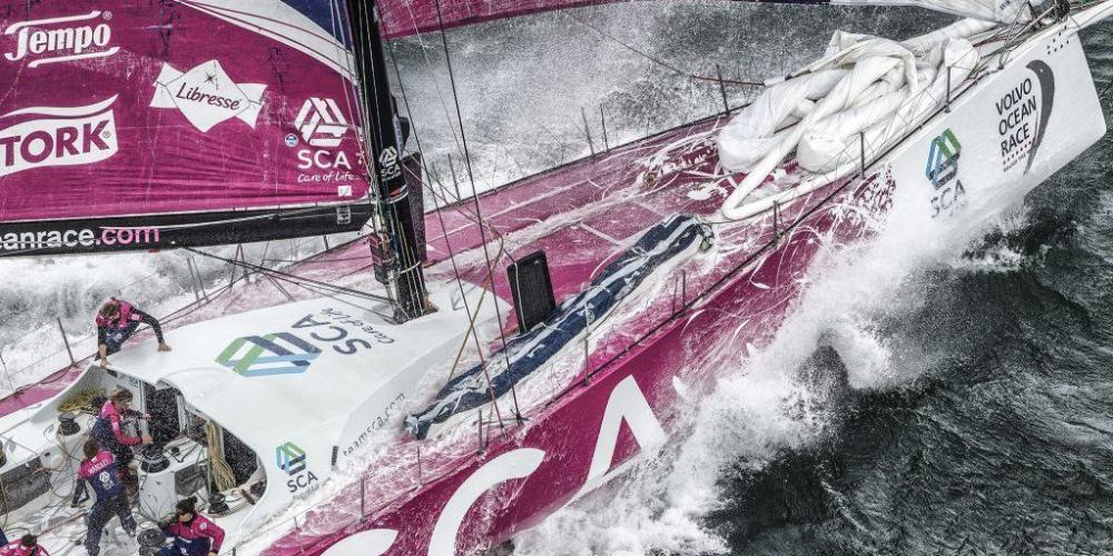 November 15, 2014. In-Port race in Cape Town: Team SCA.