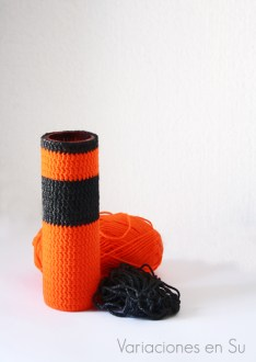 crochet-vase-cover-orange-gray