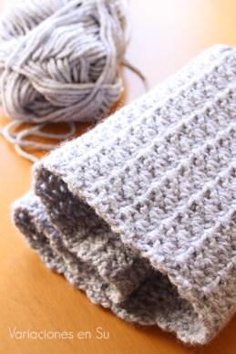 crocheted-gray-cowl