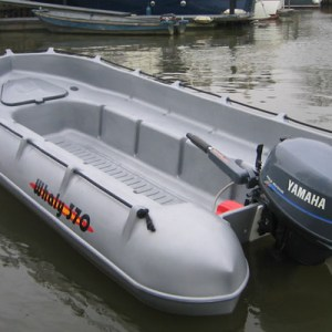Whaly βάρκα 370
