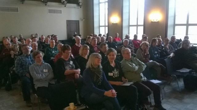 Pirkanmaan Vasemmistoliiton piirkokouksessa oli läsnä lähes 80 osanottajaa. Kuva: Virvva-Mari Rask