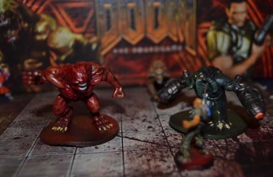 Un Caballero Infernal y un Máncubo atacando.