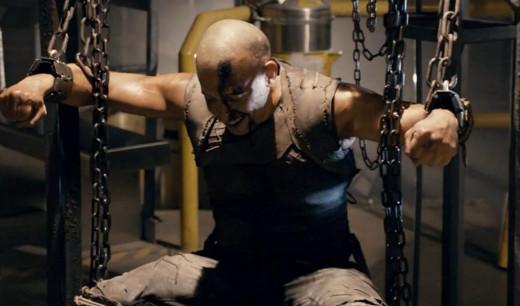 Riddick probando el asiento más cómodo de nuestra redacción