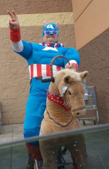 El Capi tuvo que vender su moto y comprarse un pony
