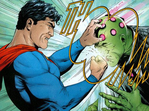 Superman pegando un puñeto
