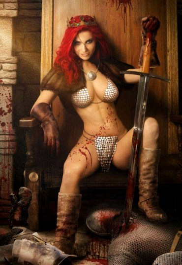 "Red Sonja ""renpanchingá"" en la silla"