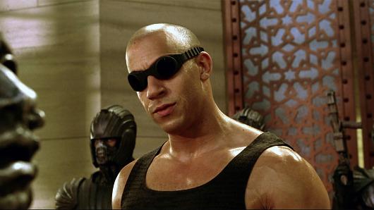 Riddick en la piscina de su barrio
