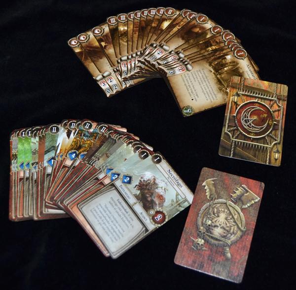 Las cartas de lugar y las cartas de monstruo