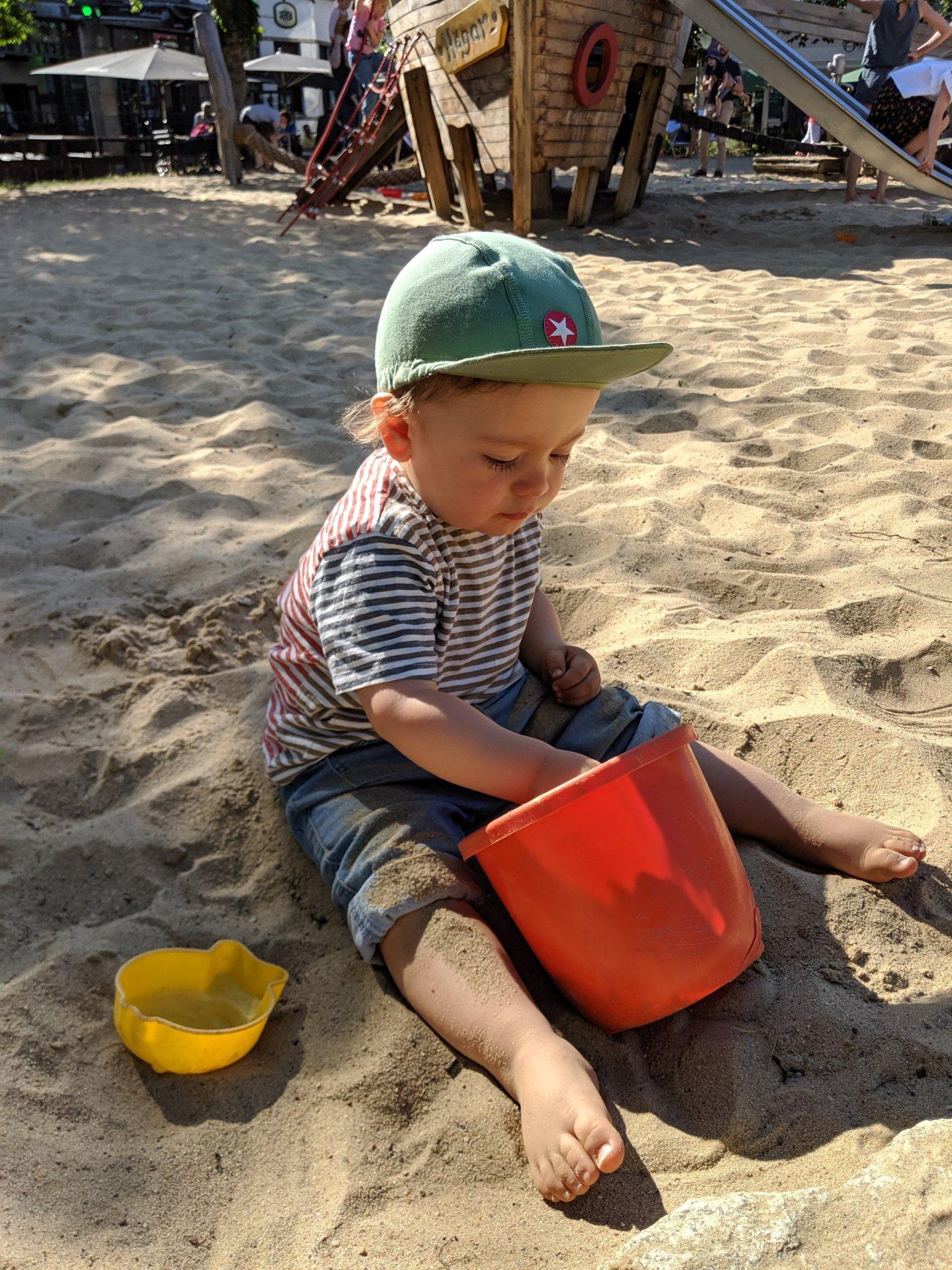 eingewoehnung-hugo-sand