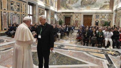 教皇フランシスコ、イエズス会の国際ミーティング参加者と 2019年11月7日