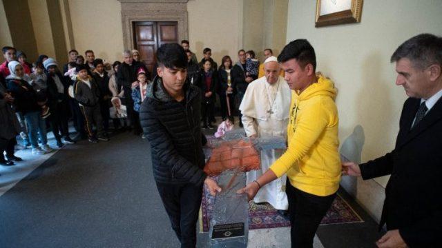 教皇フランシスコと難民たちとの出会い 2019年12年19日