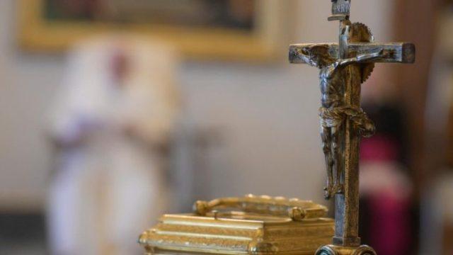 教皇フランシスコ、一般謁見で、イエスの受難を観想 2020年4月8日
