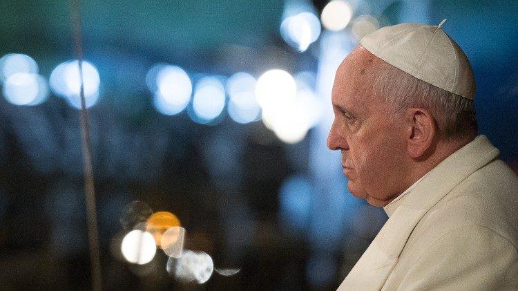 El Papa promueve la protección de los menores.