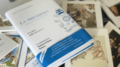 """""""La Preghiera. Il respiro della vita nuova"""", the new book by Pope Francis, published by LEV"""