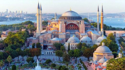 トルコ・イスタンブールのアヤソフィア