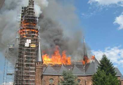 St. Josef brennt