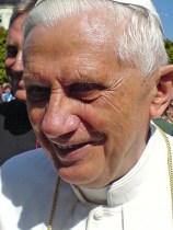 Papst-BXVI-001