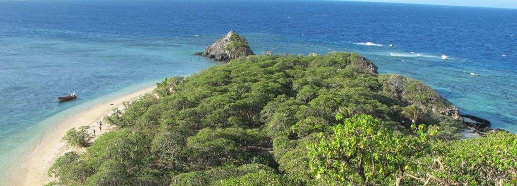 A view of  Vatu-i-Ra island before the devastating Tropical Cyclone Winston. © Stacy Jupiter