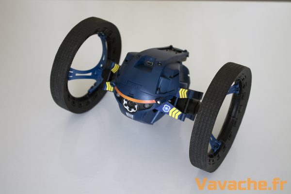 Minidrone Parrot Jumping Night