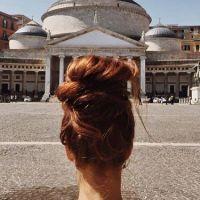 Federica Nardelli ed uno chignon in giro per Napoli #unochignoningiropernapoli