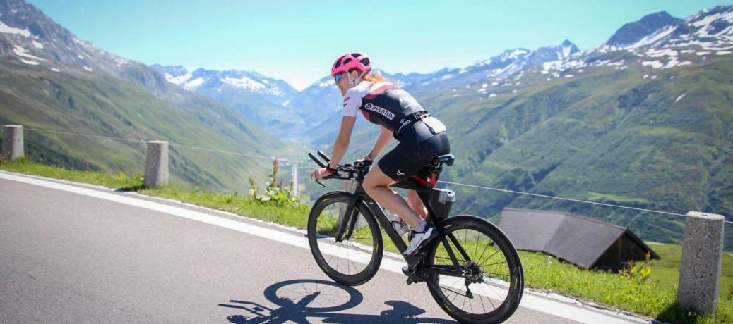 Flora gewinnt den Swissman Xtreme Triathlon