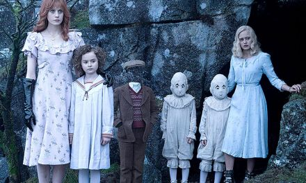 <EM>MISS PEREGRINE'S HOME FOR PECULIAR CHILDREN</em> | Burton's back