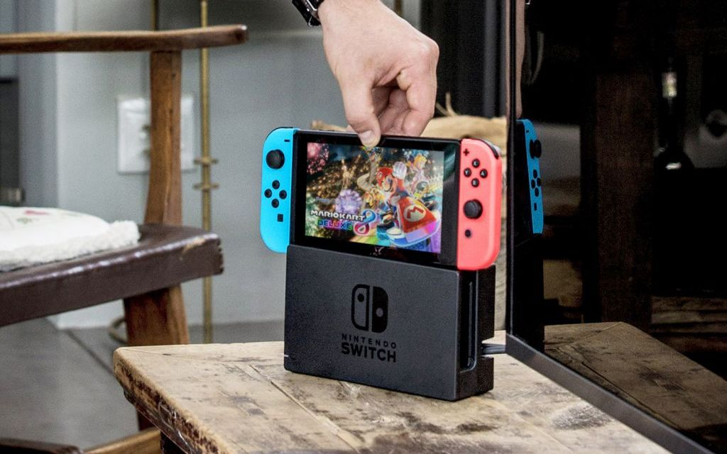 GAMER'S NOTEBOOK | Nintendo Switch flips the script