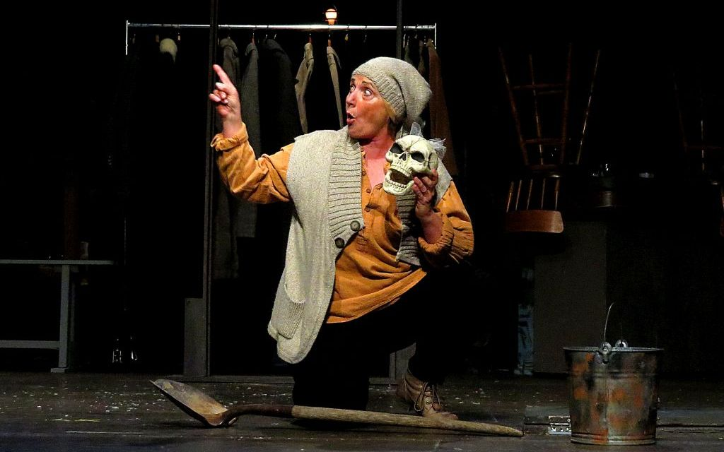 ON STAGE | <em>Women Playing Hamlet</em> at Ojai Art Center Theater