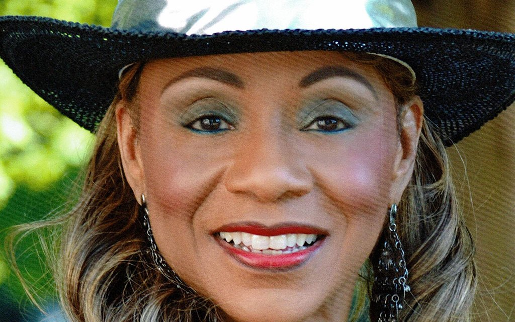 "THE HEART <EM>AND</EM> SOUL OF COUNTRY | ""First Lady of Country Soul"" Petrella grooves in VC"